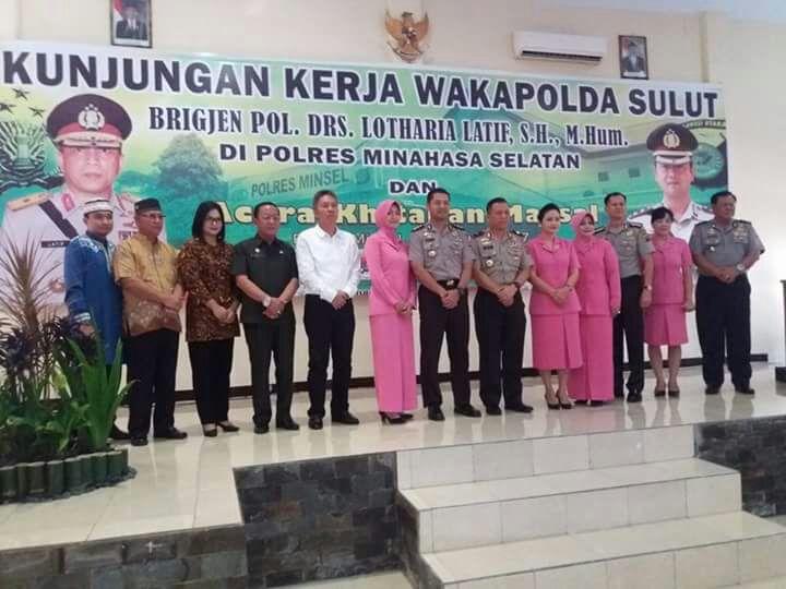 Disaksikan Wakapolda Sulut, Polres Minsel Gelar Khinatan Massal