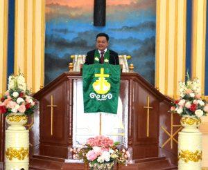 Permalink ke Pimpin Ibadah di GMIM Zaitun Madidir, Mantiri Ingatkan Selalu Bersyukur