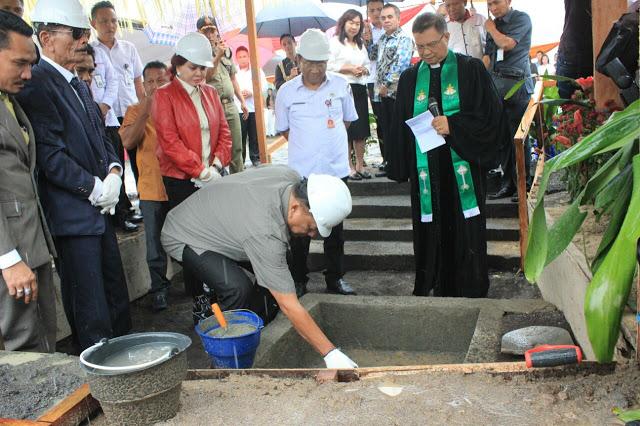 Permalink ke Pembangunan Hotel Sutan Raja , Gubernur Meletakan Batu Pertama