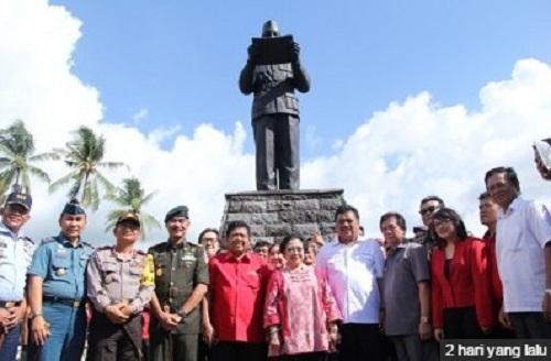Permalink ke Siang Ini, Monumen Soekarno Jadi Saksi Prosesi Pelantikan Kabinet Sulut Hebat
