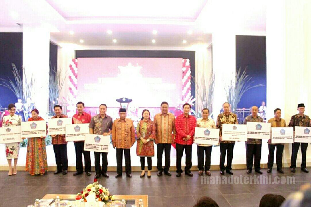Permalink ke Syukuran 1 Tahun Kepemimpinan ODSK, Kabupaten/Kota Dapat Kejutan Miliaran Rupiah