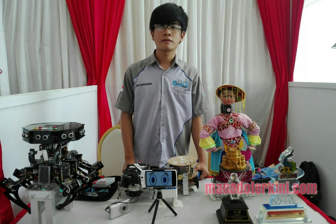 Permalink ke Mahasiswa Unsrat Pamerkan Robot Nona Pinter Menari