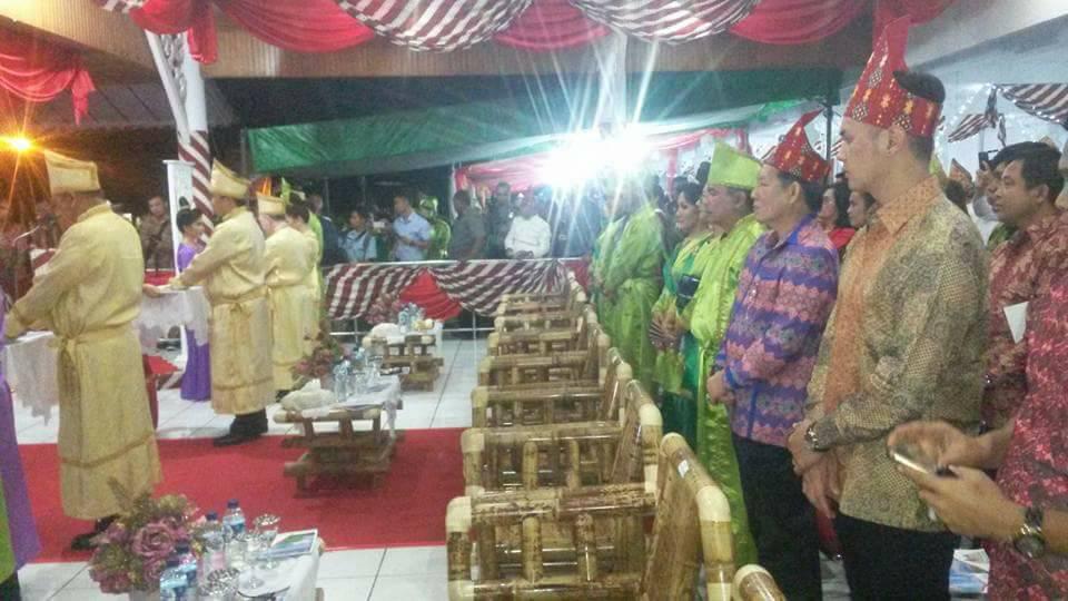 Permalink ke Bersama Gubernur dan Wagub Sulut Hadiri Pesta Adat Tulude di Tahuna