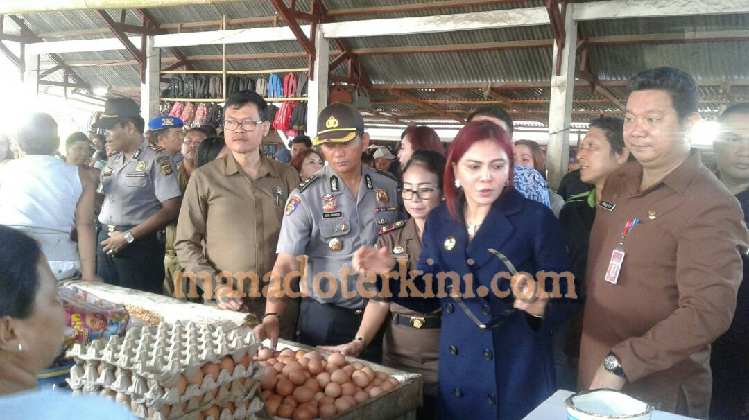 Permalink ke Jelang Puasa Bupati VAP Pantau Harga  Dan Ketersediaan Sembako di Pasar Kema