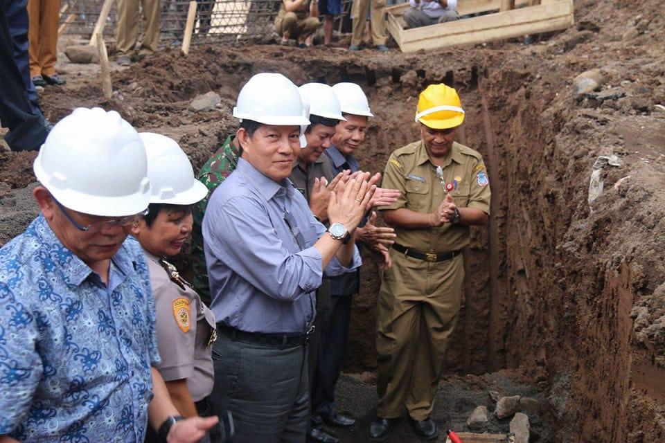Permalink ke Dianggarkan Rp 14 Miliar, GSVL Letakan Batu Pertama RSUD Manado