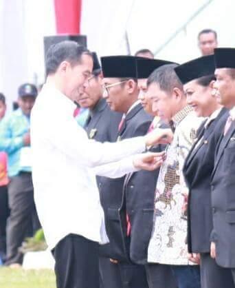 Permalink ke Bupati Dapat Pengakuan Dari Presiden Joko Widodo