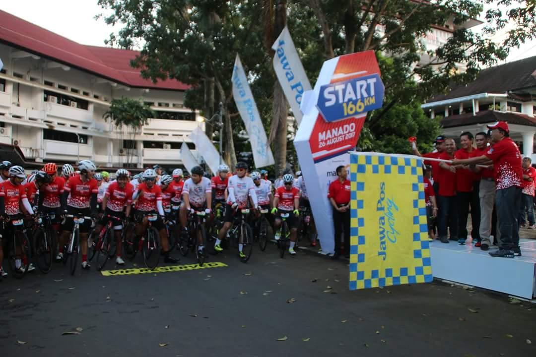 Permalink ke Bersama Sekprov dan Muspida Sulut, Walikota GSVL Ikut Lepas Peserta Bersepeda