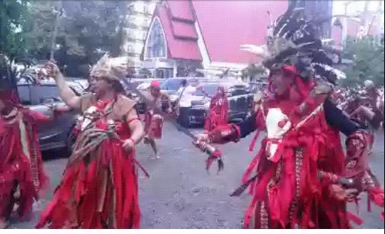 Diiringi Kabasaran, Partai Perindo Kota Manado Daftar ke KPU