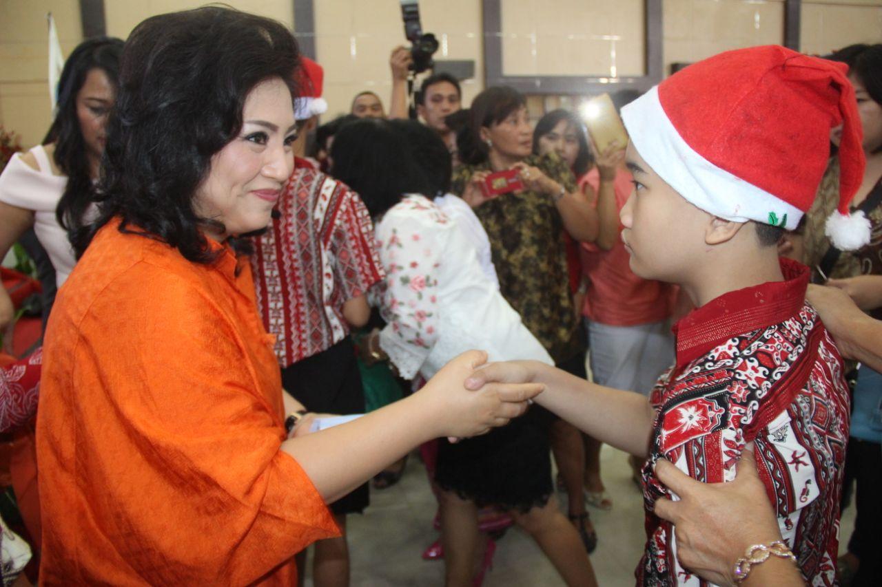 Permalink ke Ketua TP-PKK Sulut Rayakan Pra Natal Bersama YPAC