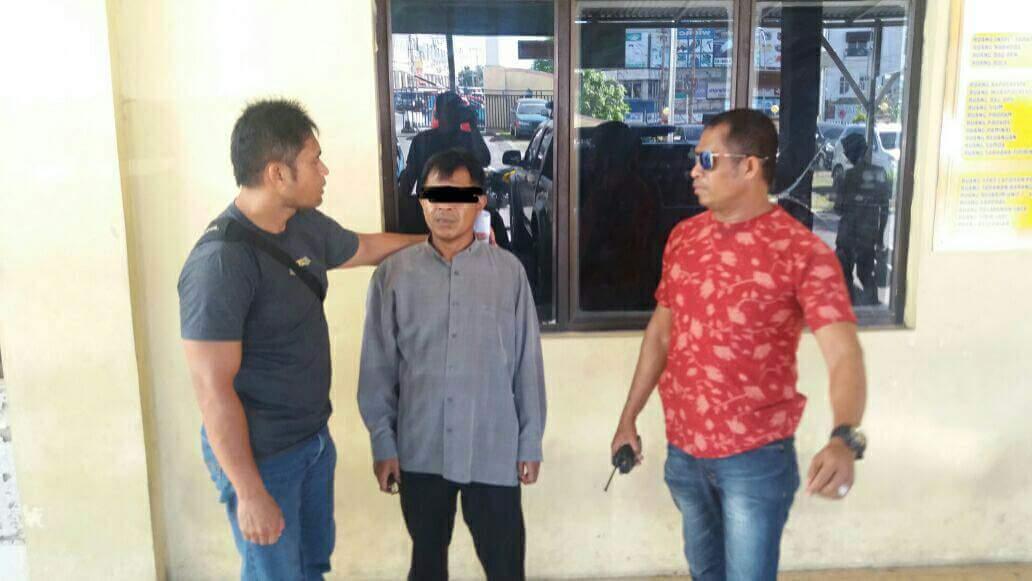 Permalink ke Sebarkan Video Telanjang Usai Dianaiaya, Franly Lapor Polisi