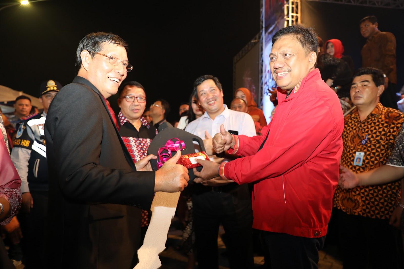 Permalink ke GSVL : Sinegritas Pemprov Sulut dan Pemkot Manado Torehkan Banyak Prestasi di 2017