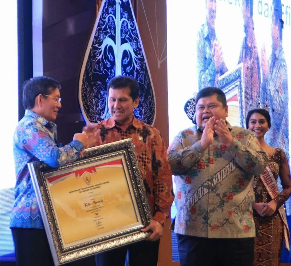 Permalink ke Terima Penghargaan SAKIP, Manado Raih Nilai BB