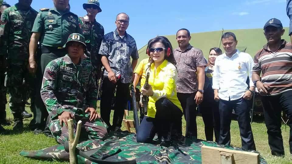 Permalink ke Bupati Minsel Latihan Menembak Bersama TNI Kipan C Raider 712 Amurang