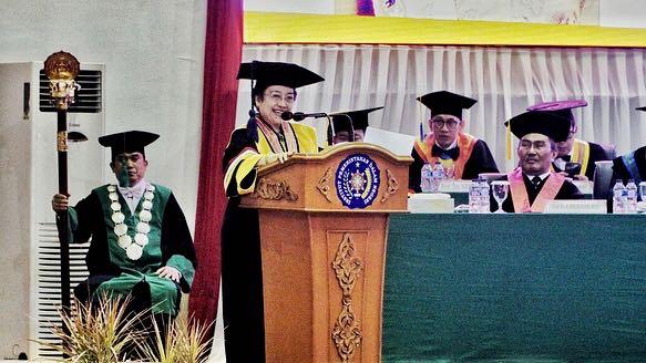 Permalink ke Olly Dondokambey Hadiri Penganugerahan DR (HC) Megawati Soekarno Putri dari IPDN