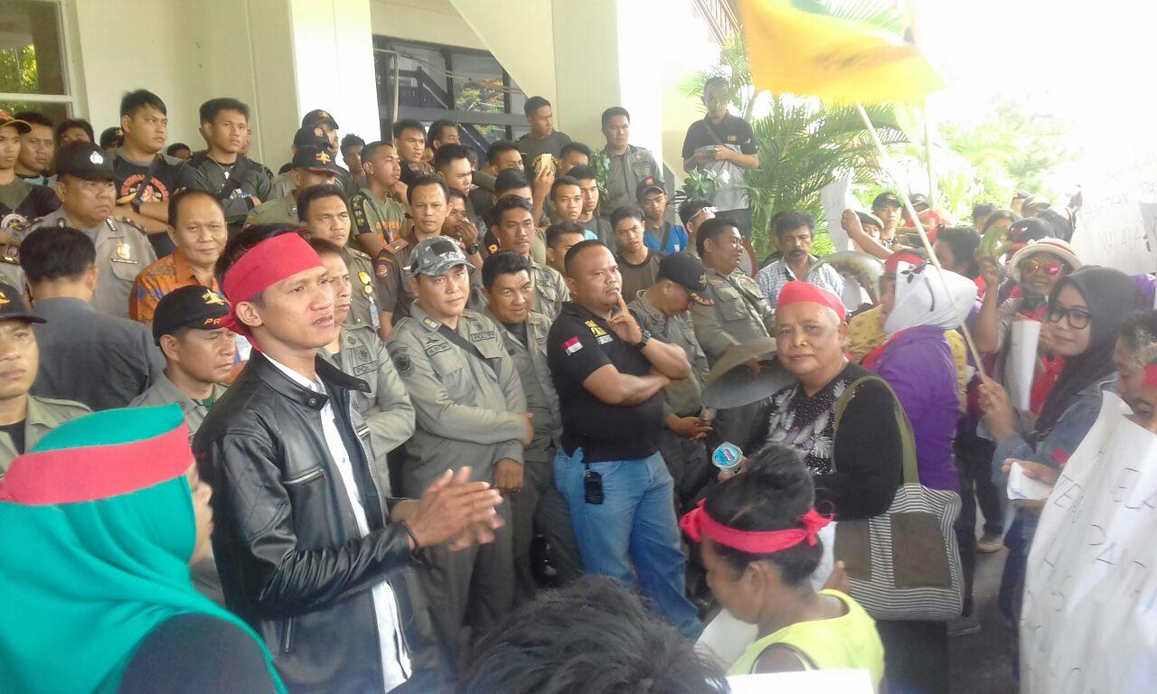 Permalink ke Eks Penghuni Sabuah Bulu, Demo Pemkot Manado