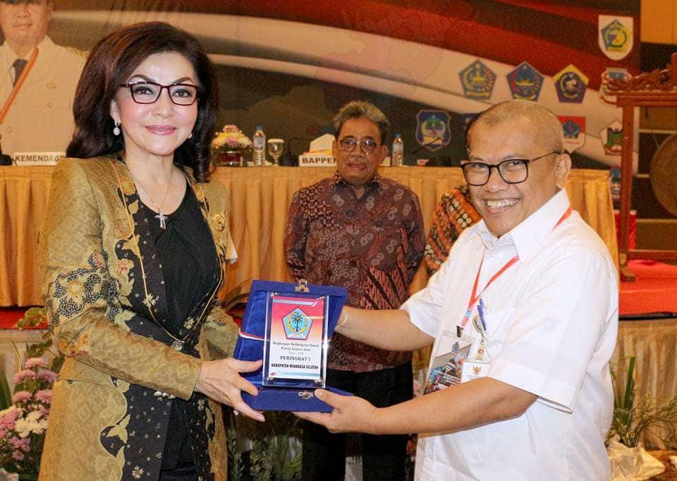 Permalink ke Hebat, Untuk Ketiga Kalinya Bupati Minsel Terima Penghargaan Anugerah Pangripta Nusantara