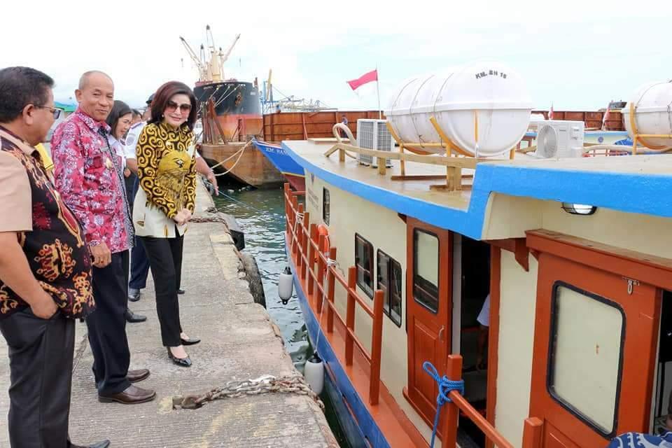 Permalink ke Pemkab Minsel Terima Bantuan Hibah Kapal Pelayaran Rakyat 35 GT Dari Kemenhub RI/