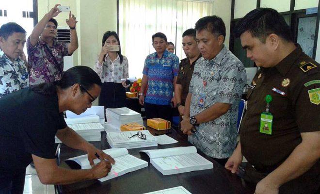 Dinas PUPR dan Kontraktor Tandatangani Kontrak Disaksikan Kejari Manado