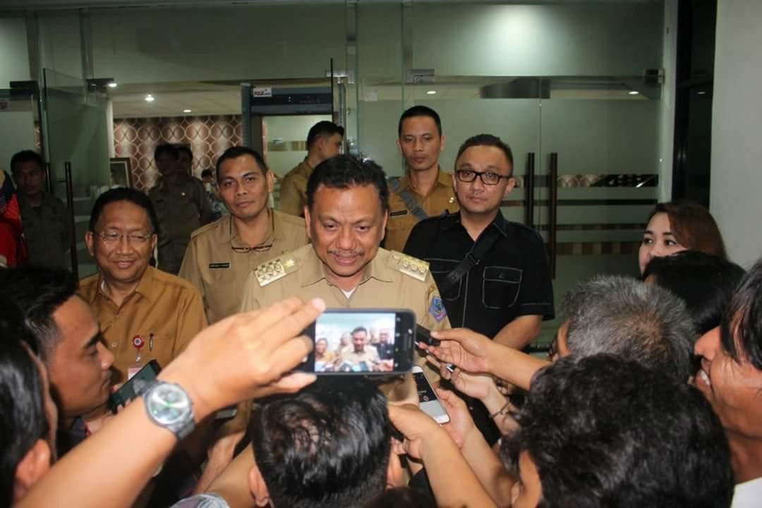 Permalink ke Belum Ada Pergub Soal Taksi Online di Sulut, Ini Alasan Olly Dondokambey