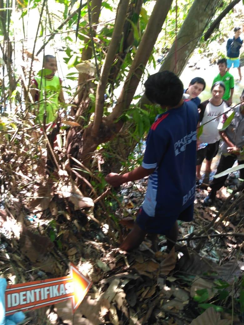 Permalink ke Warga Kelurahan Paniki Satu di Temukan Gantung Diri di Perkebunan