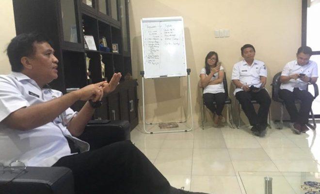 Gelar Rapat Evaluasi, Bart Assa Ingatkan Dinas PUPR Laksanakan Tugas Dengan Baik