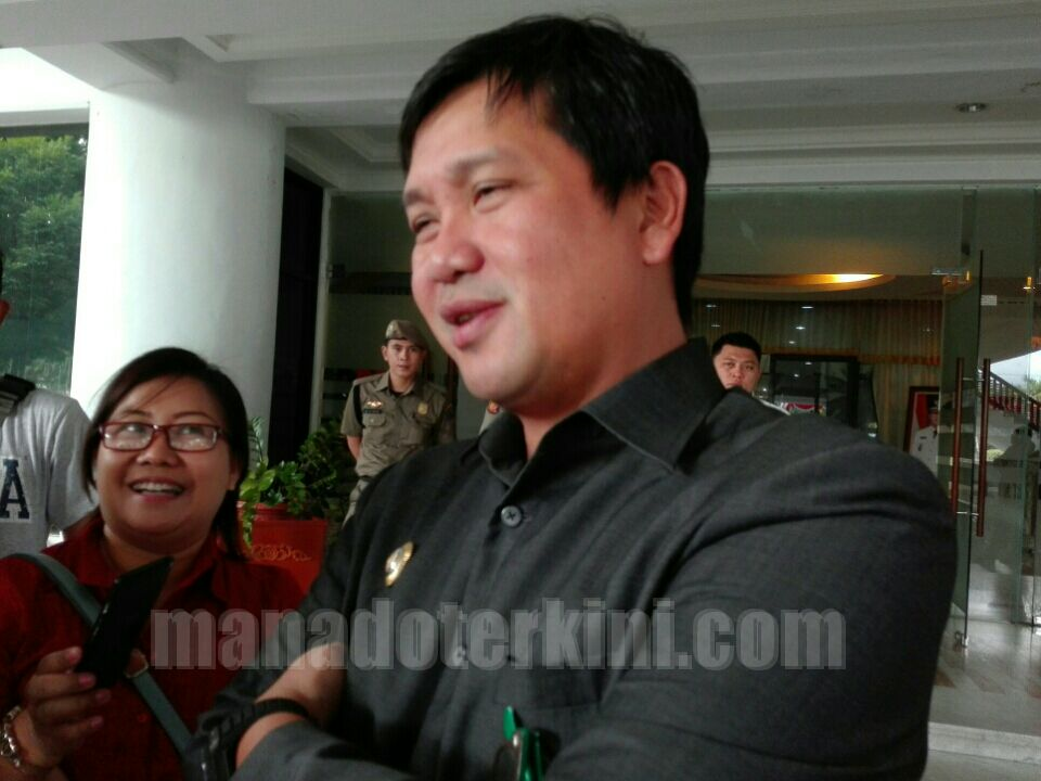 Permalink ke Olly-Steven Apresiasi Kinerja Pjs Gubernur Sulut Agus Fatoni