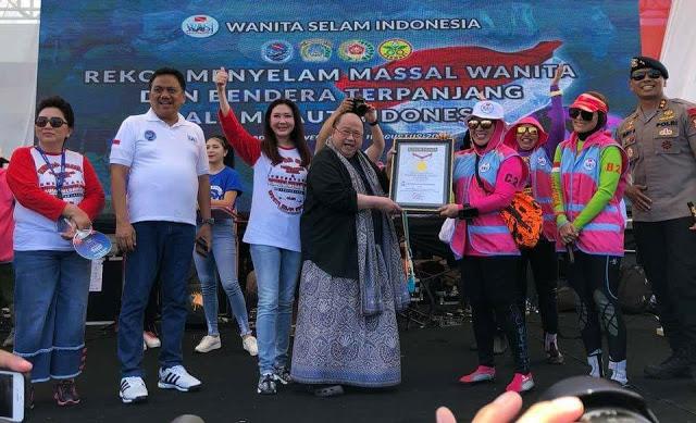 Permalink ke Pecahkan Rekor Dunia, 930 Penyelam Wanita Terjun di Teluk Manado