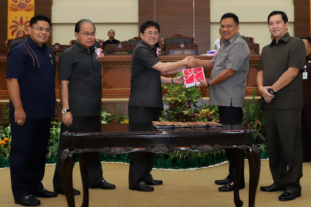 Permalink ke DPRD Sulut Tandatangani Nota KUA-PPAS Perubahan Sulut TA 2018