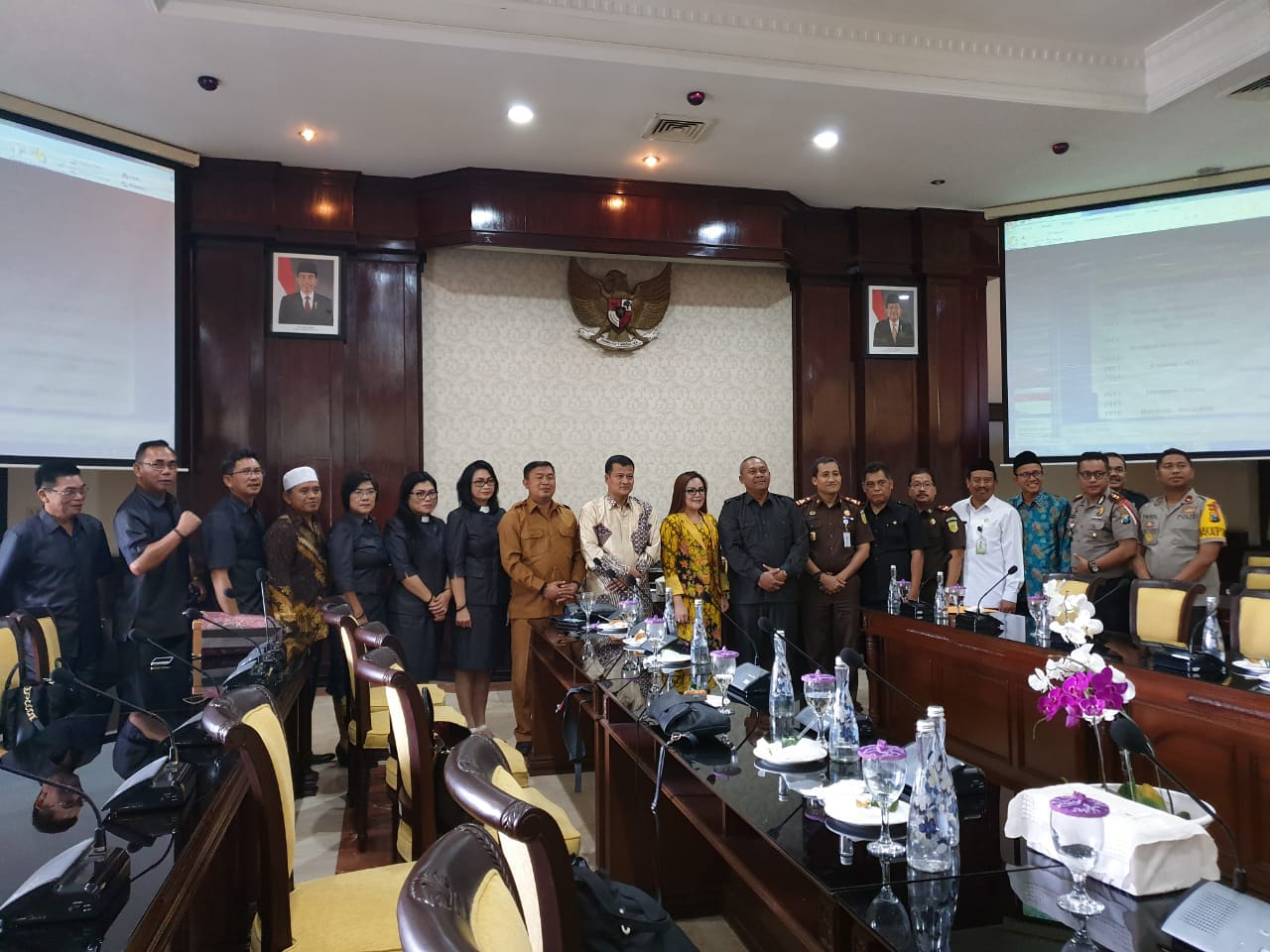 Permalink ke Sompotan dan FKUB Kota Tomohon Studi Banding ke Surabaya