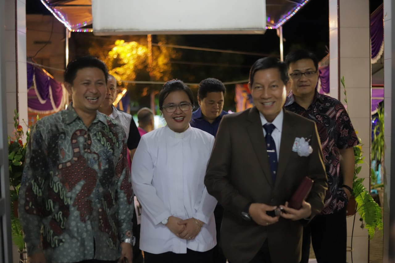 Permalink ke Hadiri Ibadah Sambut Natal P/KB GMIM Rayon Bitung, Pangemanan Sampaikan Ini