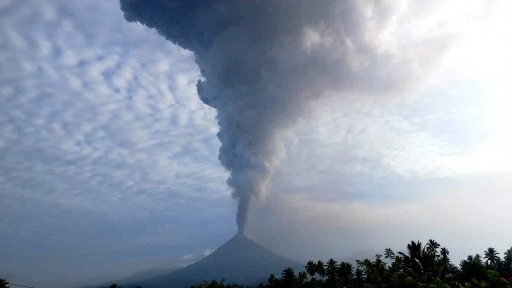 Permalink ke Gunung Soputan Meletus Keluarkan Abu Vulkanik