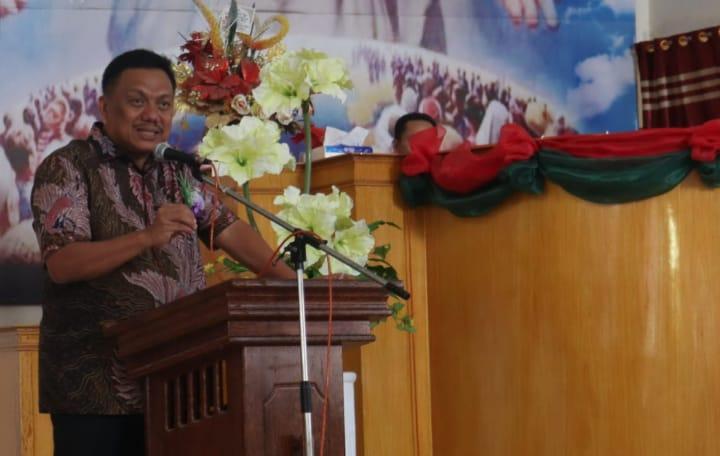 Permalink ke Ibadah di Bangsal, Olly Dondokambey Beri Motivasi Jemaat GMIM Yarden