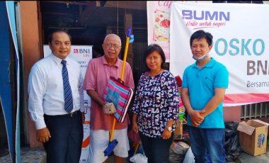 BNI-IWO Manado Tambah Bantuan Bencana Berupa Alat Pembersih