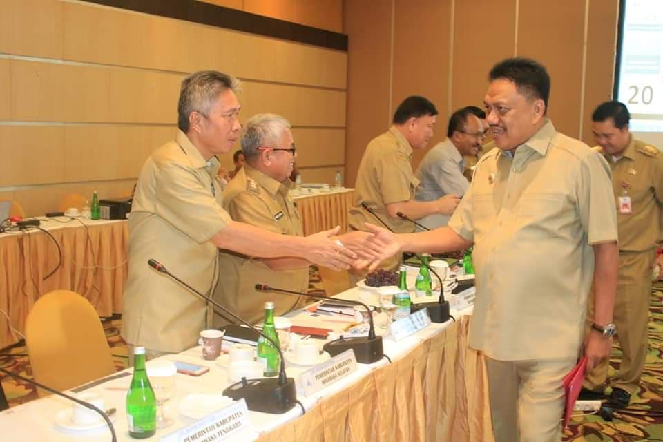 Permalink ke Wakili Bupati, Wabup Minsel Hadiri RUPS Bank Sulut Go