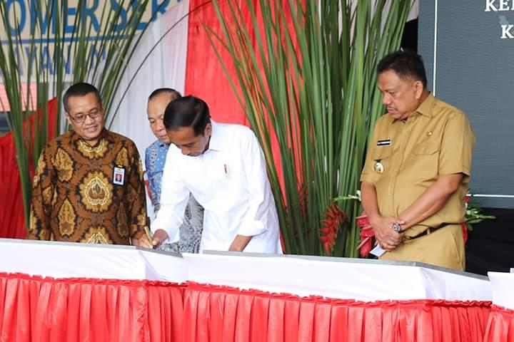 Permalink ke Olly Dondokambey Dampingi Jokowi Resmikan KEK Bitung (II)