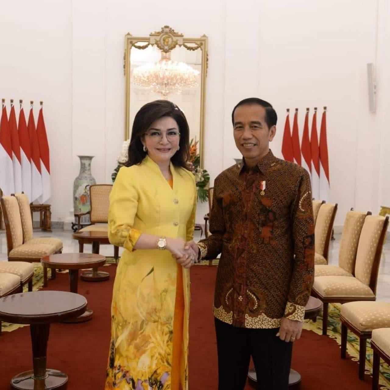 Permalink ke Airlangga Ajak CEP Bertemu Jokowi Ucapkan Selamat