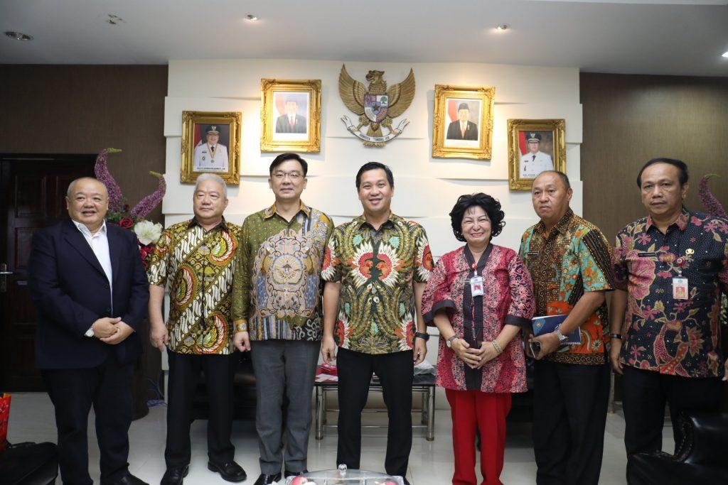 Permalink ke Wagub Kandouw terima Investor China, Hongkong dan Konjen Filipina Bahas Kerjasama