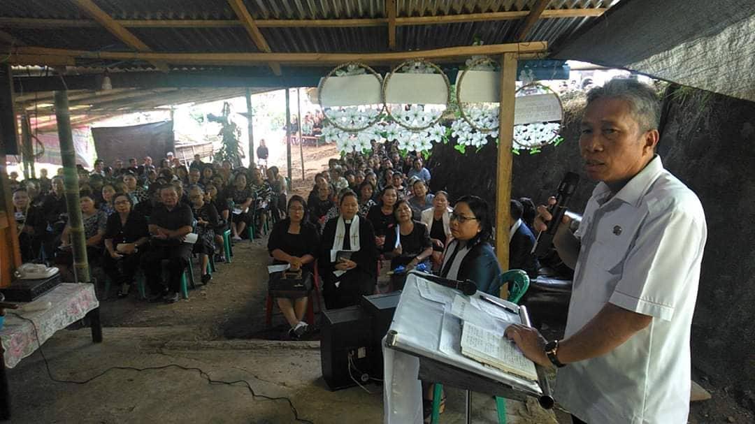 Permalink ke Wabup FDW Hadiri Ibadah Pemakaman di Desa Matani dan Kaneyan