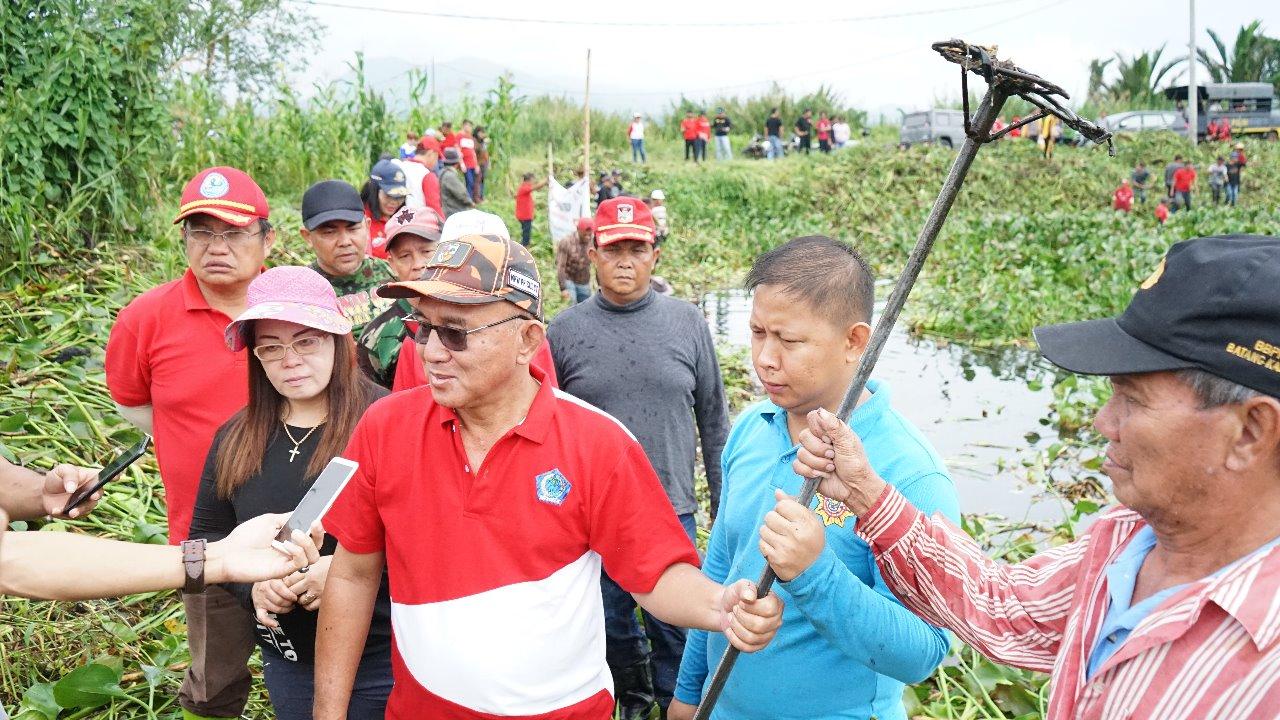 Permalink ke Selamatkan Danau Tondano, Masyarakat Angkat Enceng Gondok di 194 Titik