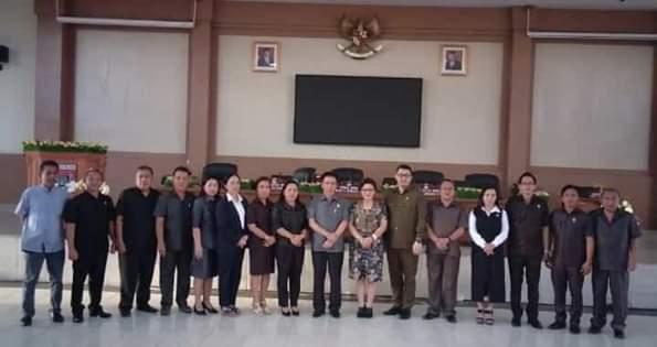 Permalink ke 'Drama' pembentukan AKD berakhir, PDI-P Cs serahkan Ketua Komisi II DPRD Minsel ke Fraksi Golkar