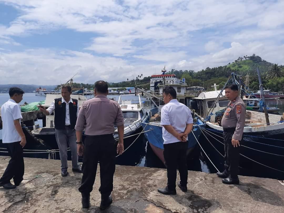 Permalink ke Mesin perahu mati, dua nelayan asal Desa Popareng hilang