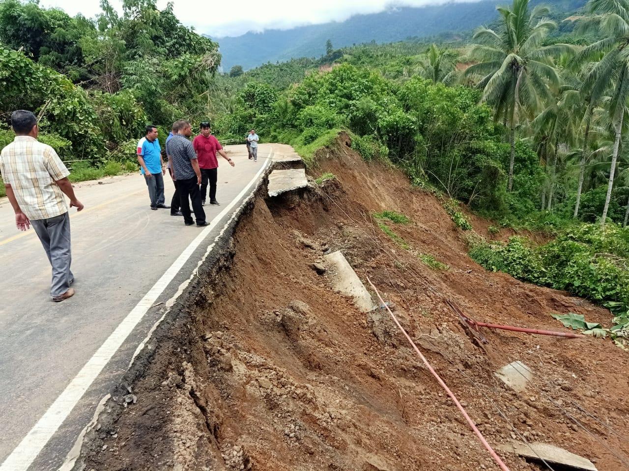 Permalink ke Jalan Trans Sulawesi Putus, Wagub Beri Target 4 Hari Selesai