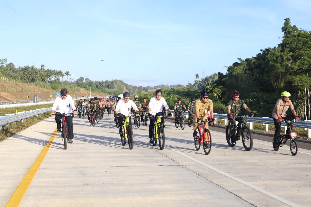 Permalink ke Steven Kandouw dan Petinggi Polri Survei Jalan Tol Dengan Bersepeda