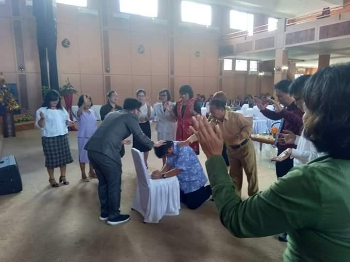 Permalink ke Hadiri Ibadah di Gereja GBI Mawar Saron Tumpaan, ROSO Didoakan Pendeta dan Jemaat
