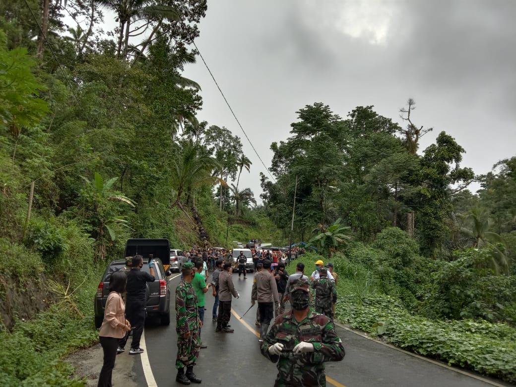 Permalink ke Antisipasi Penolakan Warga, Kapolres Minsel Kawal Pemakaman Jenazah PDP di Desa Wanga