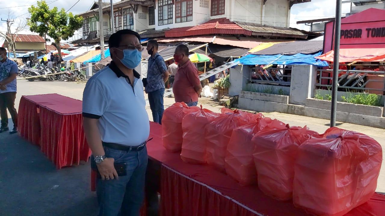 Permalink ke Pemkab Minahasa Bagi-Bagi Makanan Gratis di Pasar Tradisional