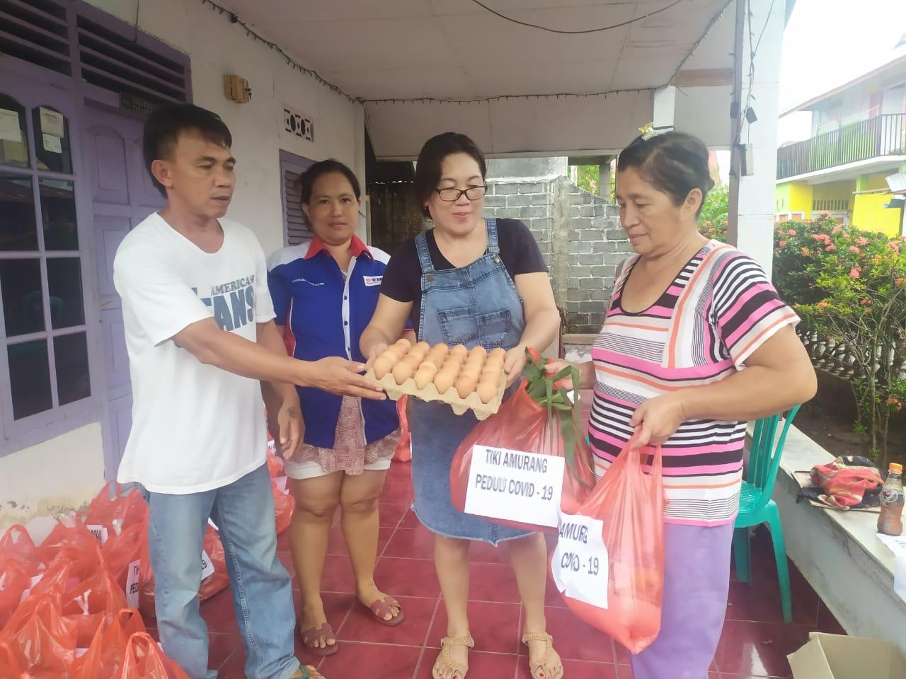 Permalink ke Dampak Covid-19, TIKI Cabang Amurang Bagi Sembako ke Warga di Kecamatan Amurang
