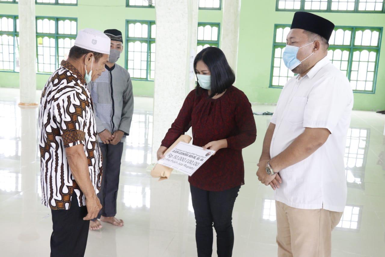 Permalink ke Firts Lady Mitra Serahkan 50 Juta Umat Muslim Belang