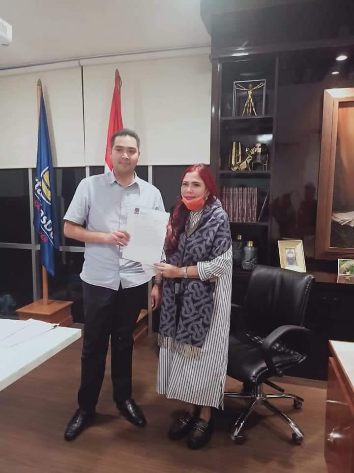 Permalink ke VAP Pegang SK Calon Gubernur Sulut Dari Partai NasDem