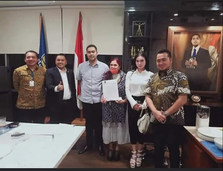 Permalink ke SGR Setia Dampingi VAP Terima SK Calon Gubernur Sulut